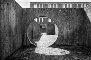 LCC Architects, Playground, Aintree Estate, Fulham, London 1962–67