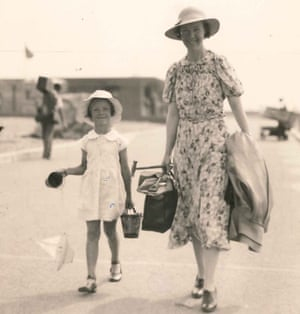 Snapshot … Daphne Wall and her mother head to the beach at Folkestone, 1937.