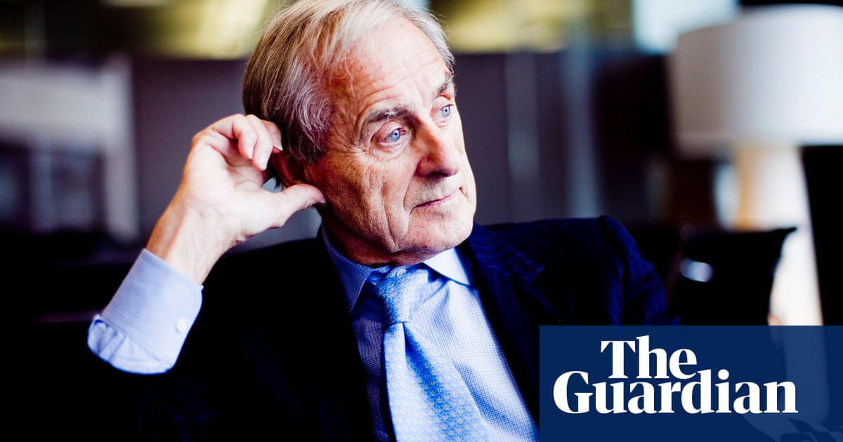 Sir Harold Evans, trail-blazing newspaper editor, dies aged 92