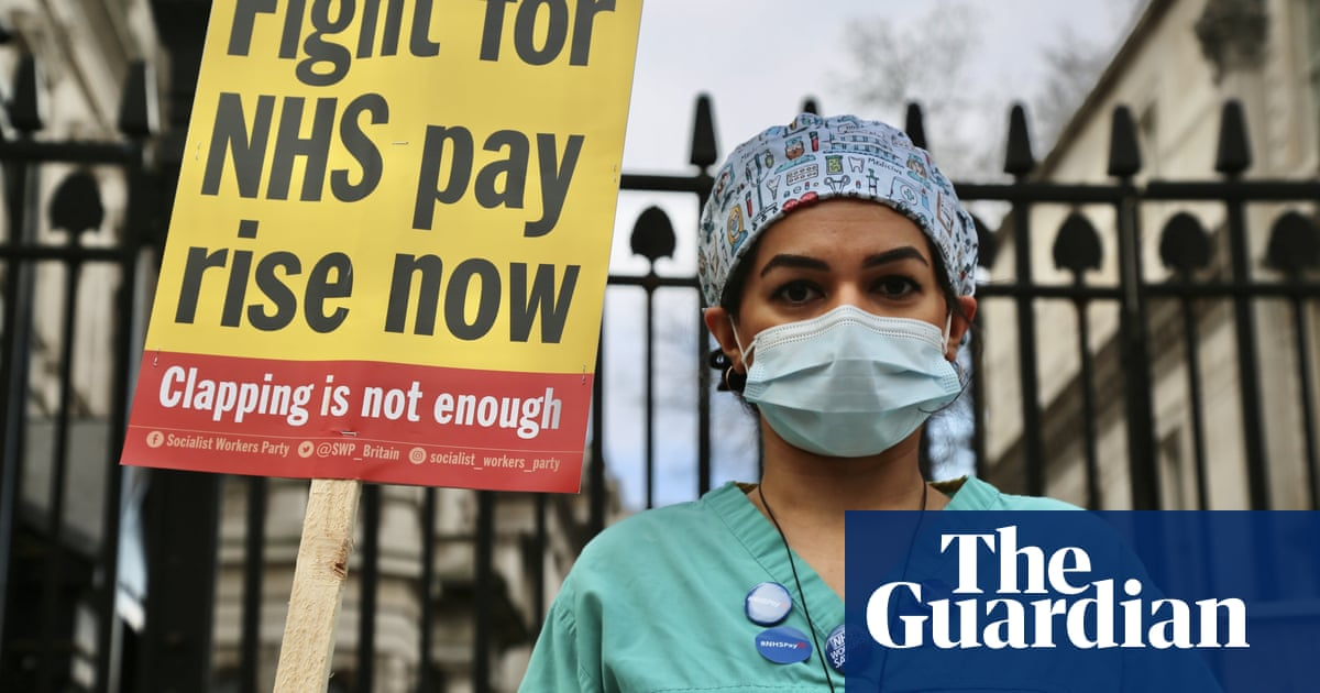 NHS England boss says staff deserve 2.1% pay rise rather than 1%