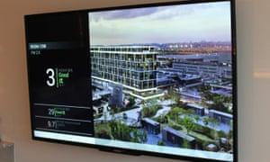 Một màn hình bên trong phòng khách sạn Cordis cho thấy không khí bên trong sạch hơn gấp 9 lần so với bên ngoài.
