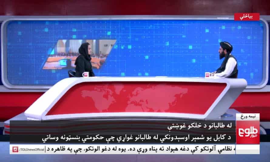 TOLOnews female presenter Beheshta Arghand interviewing Taliban spokesperson Mawlawi Abdulhaq Hemad.