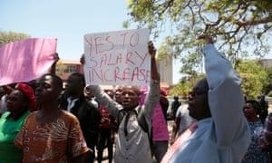 Civil servants march in Harare