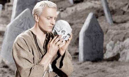 Whispering bitterly … Laurence Olivier as Hamlet.