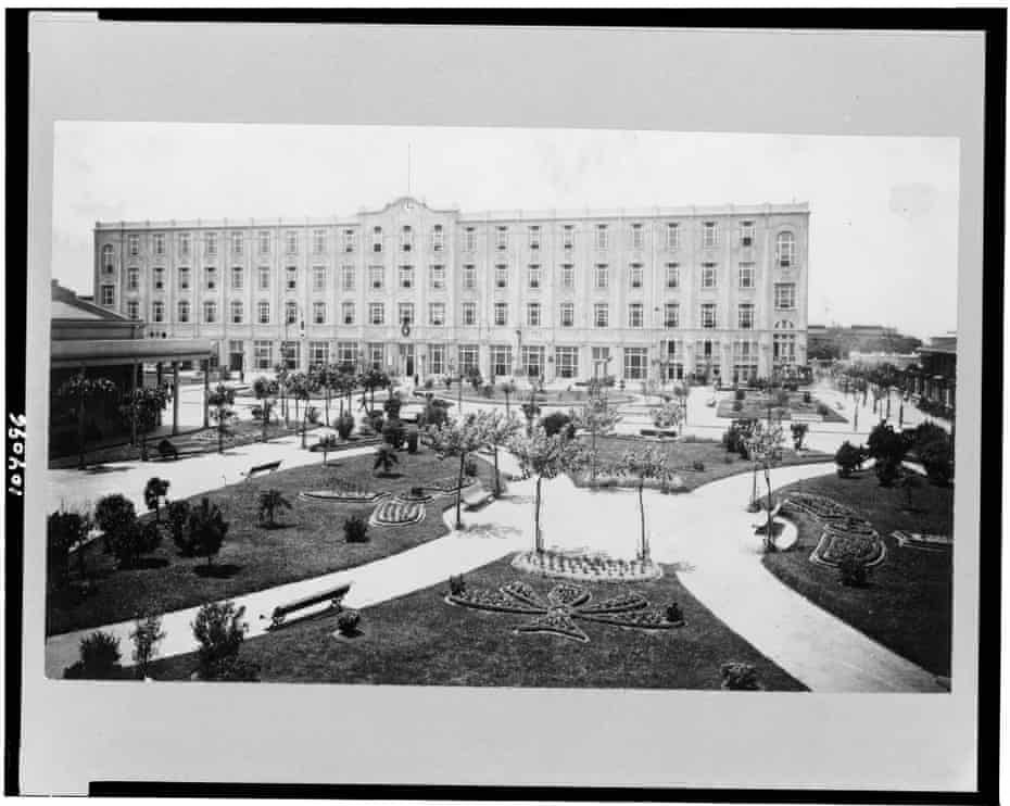 A view of the formal gardens at the Hotel de Inmigrantes.