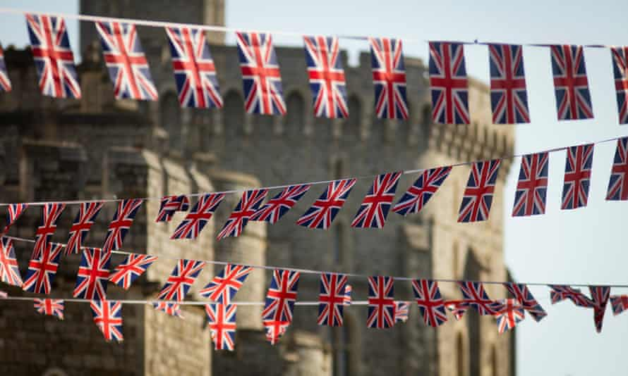 Bunting near the castle.
