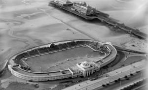 The open air swimming baths and Victoria pier, Blackpool, 1929