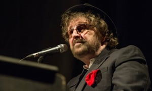 Chas Hodges performing in 2014.