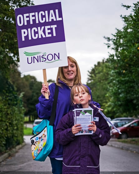 A teaching assistant on picket line at the Lakeside Community School, Derby.