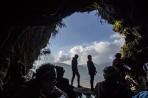 Hindus inside the Widodaren cave