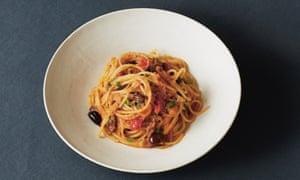 Tuna, tomato and olive spaghetti.