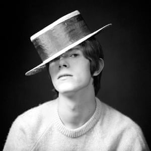 Bowie said that his interest in image began when he met Kemp.