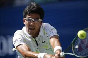 Hyeon Chung returns to Rafael Nadal.