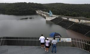 Warragamba dam wall plan 'would flood 50 Aboriginal heritage sites