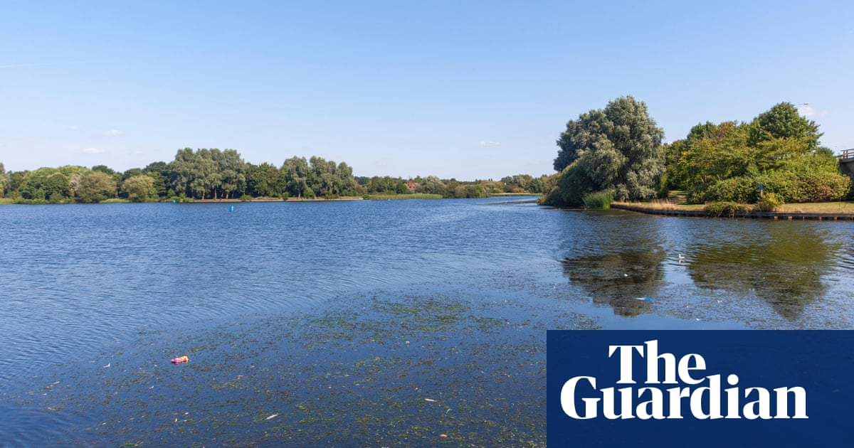'The nicest guys': mother finds men who rescued son from Milton Keynes lake