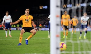 Raúl Jiménez scores Wolves' second penalty, and it's game on.