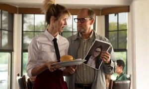 Laura Dern and Woody Harrelson in Wilson