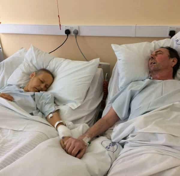 Donations flooded in after the children of Julie and Mike Bennet released a photograph of their parents holding hands on their deathbeds.