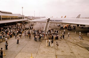 Concorde lands in Rio, Brazil on its first commercial flight of in 1976
