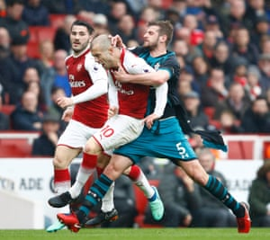 Jack Stephens clashes with Jack Wilshere, which leads to Stephens being shown a red card in injury time.