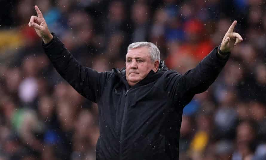 Steve Bruce during Newcastle's defeat at Wolves