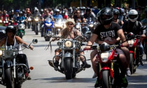 Only the paranoid survive': readers' stories of motorcycling
