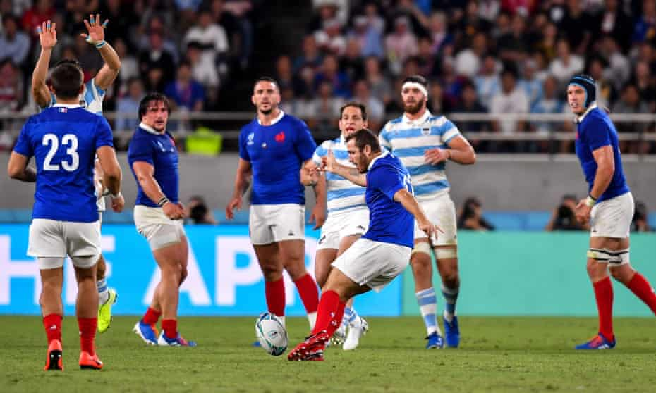 Camille Lopez strikes a drop goal to put France back ahead against Argentina in the thrilling game at the Rugby World Cup.