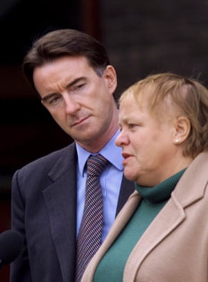 Mo Mowlam with then Northern Ireland secretary Peter Mandelson in 1999.