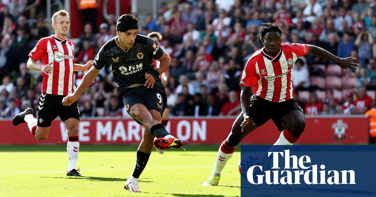 Raúl Jiménez winner sparks emotional scenes as Wolves beat Southampton