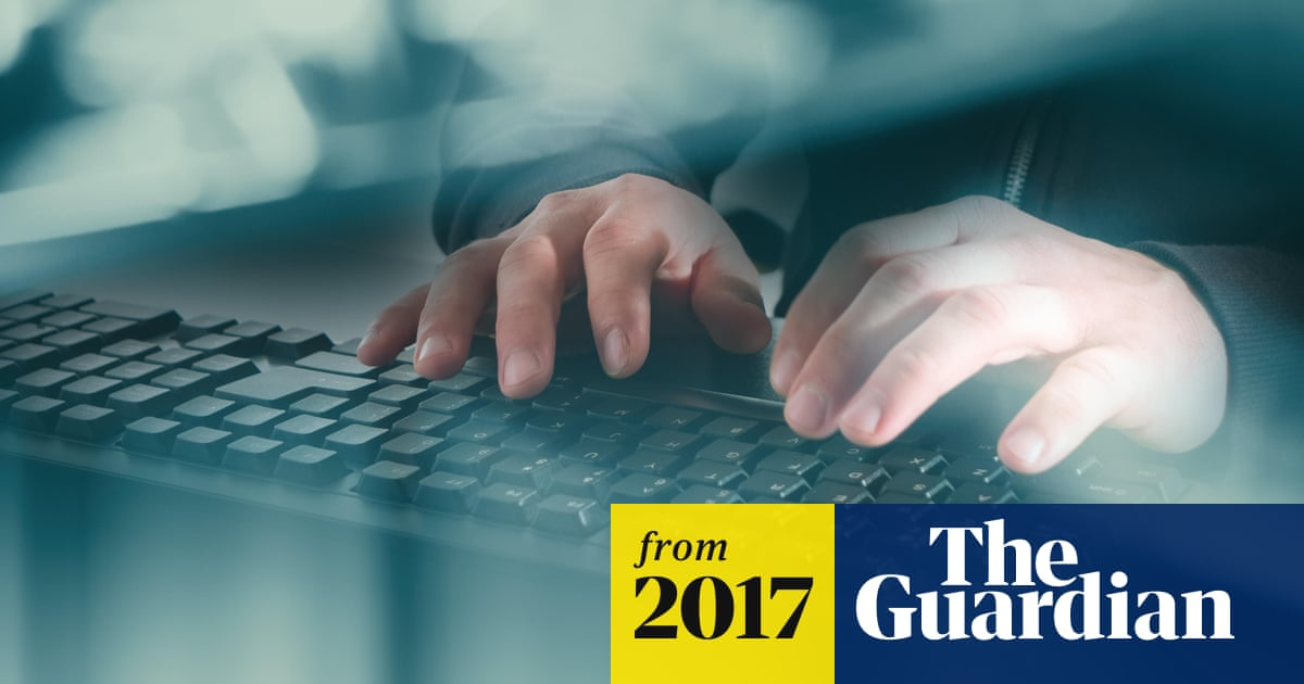 Judge rules 'paedophile hunters' can continue posing as