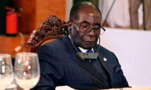 Zimbabwe President Robert Mugabe at a State Dinner for the Africa-France Summit with the Rwandan president in Bamako on January 13, 2017.