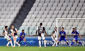 Cristiano Ronaldo puts Juve 1-0 up.