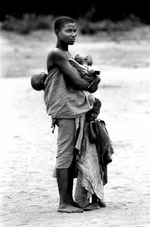 Mother and three children, Malawi, 1991. (Archive ref. OBS/6/9/2/1/C1).