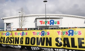 Thousands of jobs at risk as Maplin and Toys R Us fall into