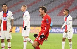 Thomas Muller draws the Bavarians level.