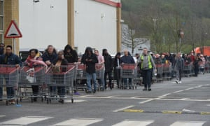 Panic buying continues as hundred queue at Costco Lakeside as the Coronavirus pandemic worsens. West Thurrock, Essex Coronavirus outbreak, Essex, UK - 19 Mar 2020