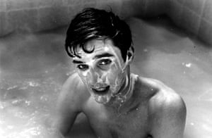 Ray Green captures George in the bath