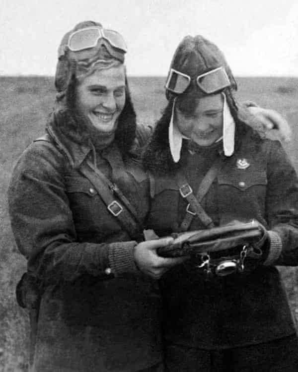 Soviet pilots Vera Tikhomirova and Mariya Smirnova, 1942.