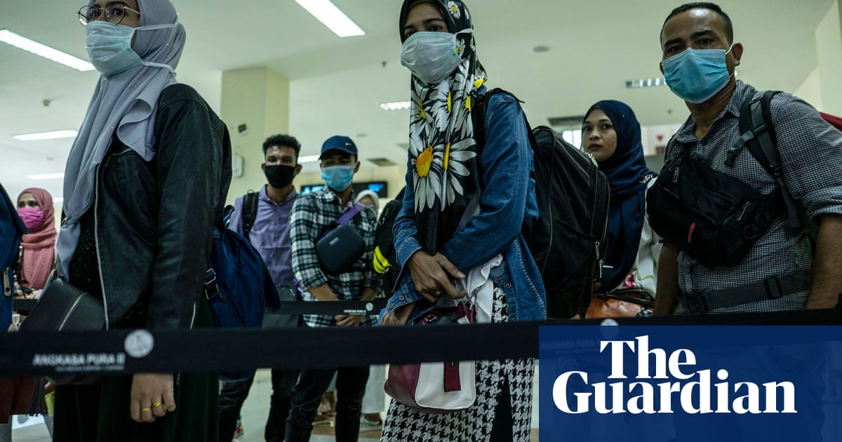 Coronovirus: Britain under pressure to evacuate UK nationals