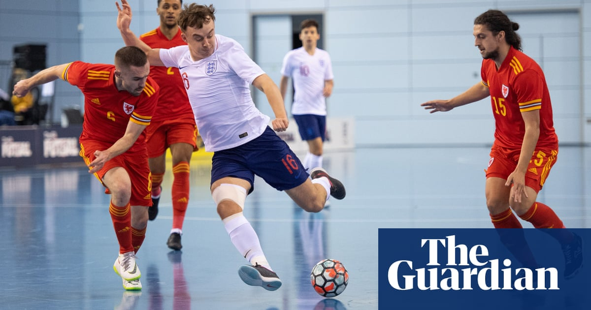 Futsal: the thinking players game that doesnt hurt the head