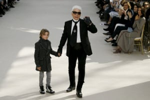 Karl Lagerfeld and model Hudson Kroenig say hi.