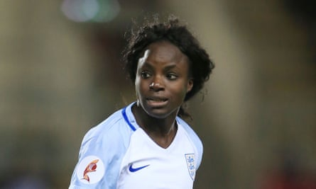 Eni Aluko has alleged that Mark Sampson told her to make sure her Nigerian relatives did not bring Ebola to Wembley, which the England women's manager denies.