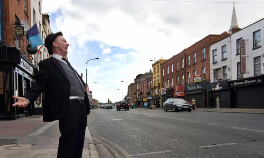 Numero uno … actor Paul O'Hanrahan performs the Calypso chapter from James Joyce's Ulysses for Bloomsday in Dublin in 2008.
