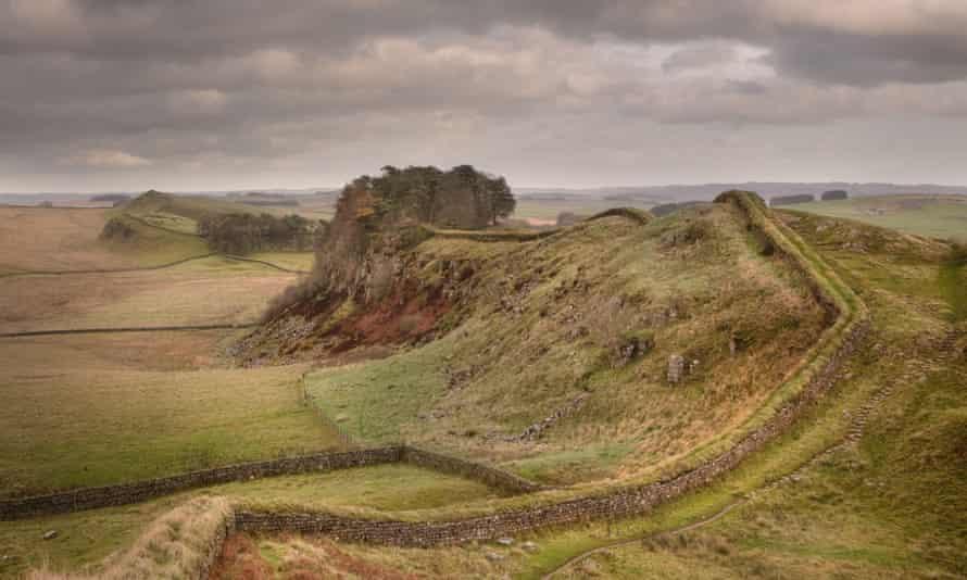 Hadrian's Wall, near Housesteads, in late Autumn2D8TDET Hadrian's Wall, near Housesteads, in late Autumn