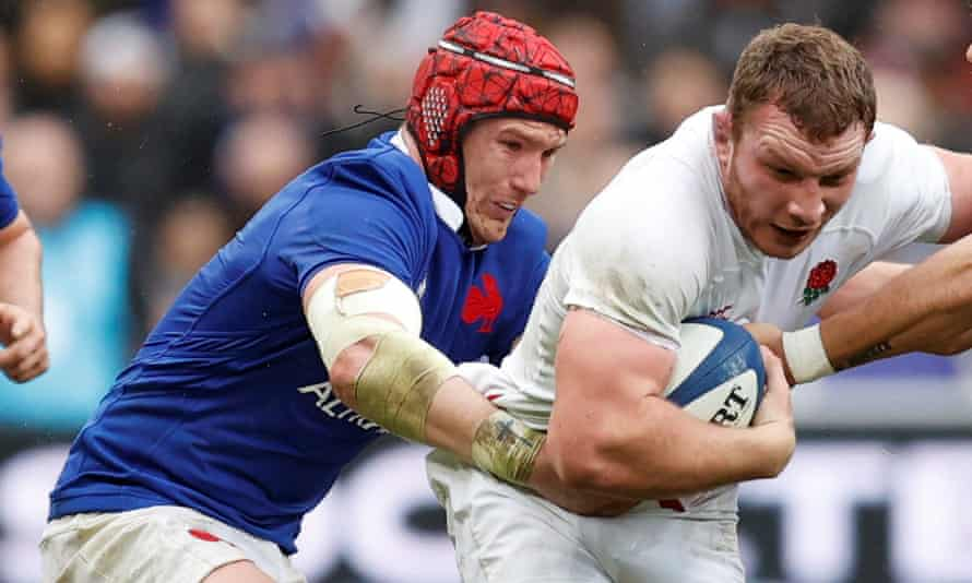 France's Bernard Le Roux, here grappling with Sam Underhill, proved a one-man wrecking crew to England's hopes.
