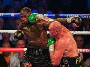 Fury hurts Wilder again with a heavy right hand. The lineal champ is forcing the attack, just as he promised he would.