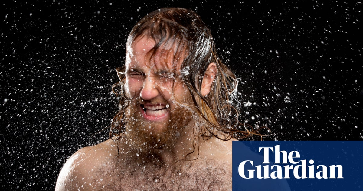 Readers reply: what evolutionary advantage comes from women having considerably less body hair than men?