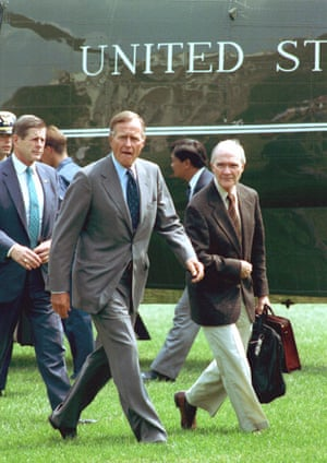 Brent Scowcroft, right, with President HW Bush in 1991.