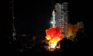 China's Chang'e4 probe takes off
