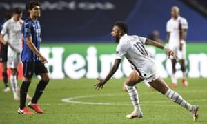 Neymar celebrates PSG's victory over Atalanta.